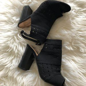 Madden Girl Black Sandals Booties